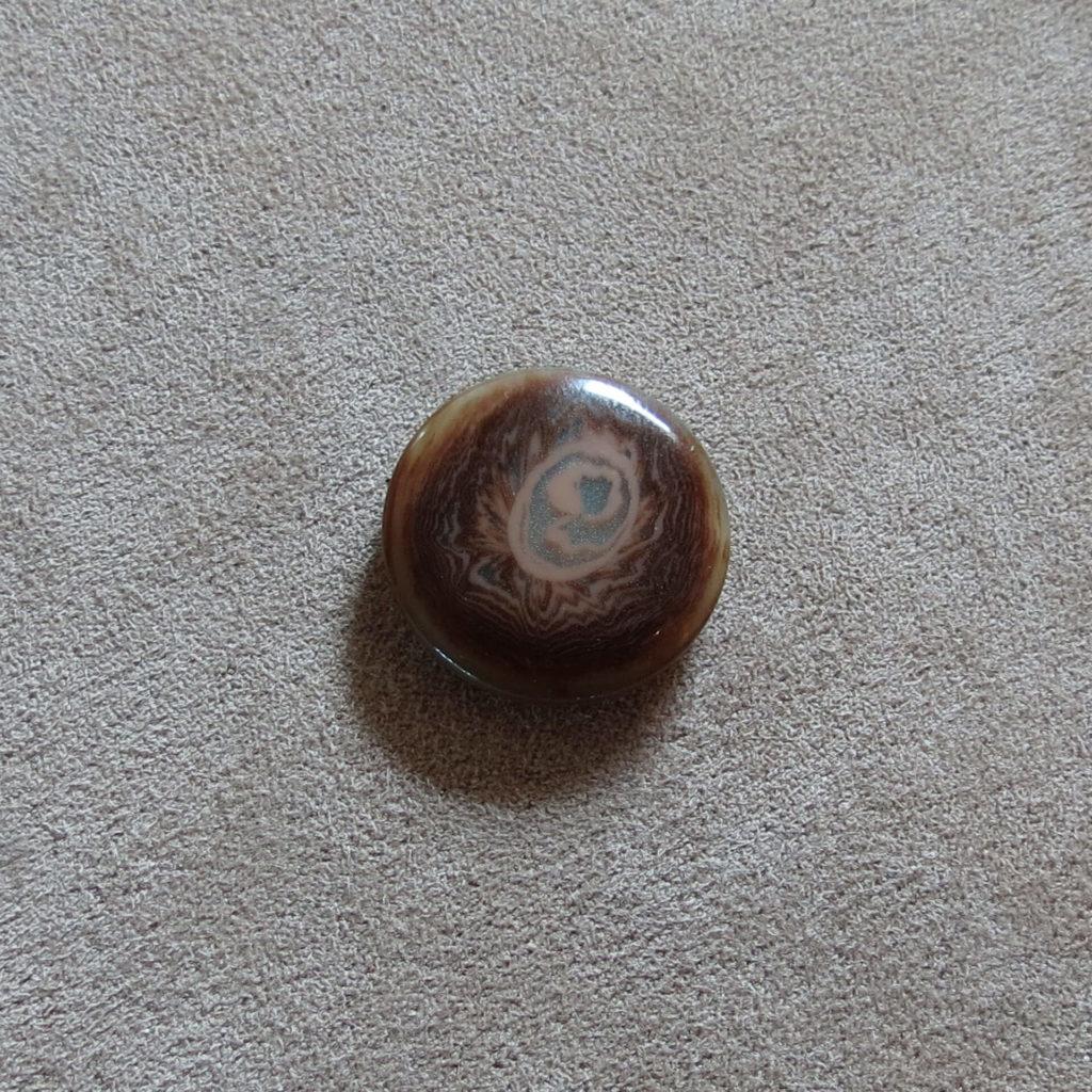 Rund halvblank knapp - Kjernen - Brun