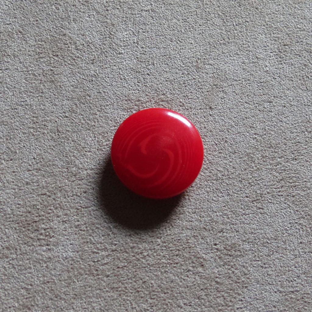 Rund halvblank knapp - Virvel - Rød