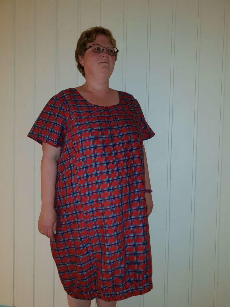 Kjole i flonel skjortestoff med ruter rød/blå/hvit