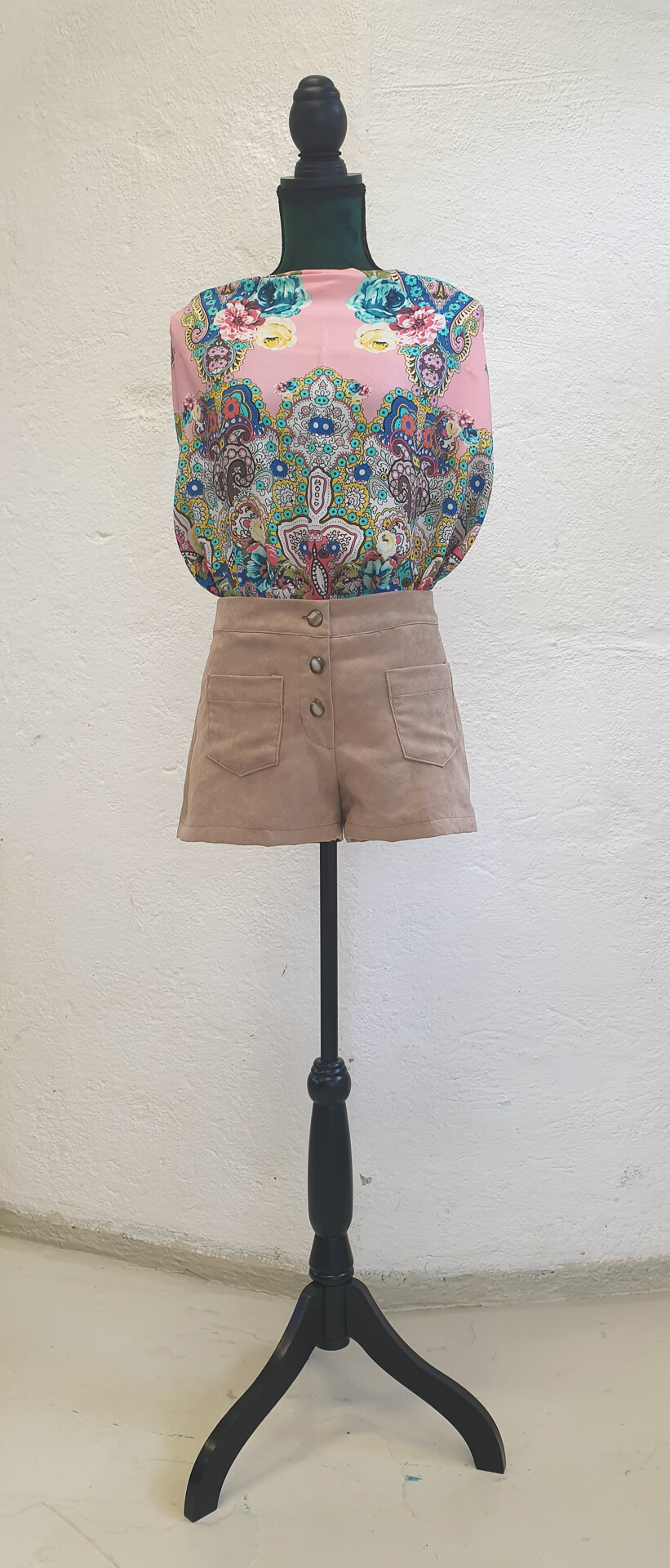 """""""One of a kind"""" shorts - Front1"""